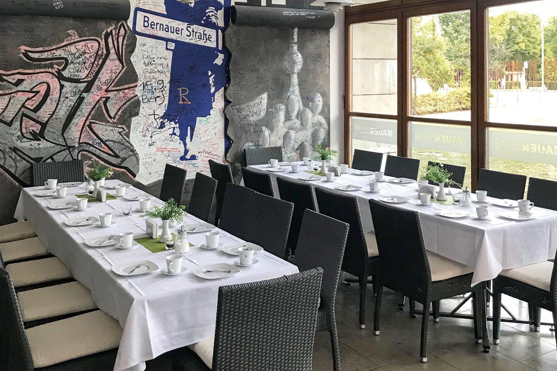 Mauercafé Berliner Mauer Innen